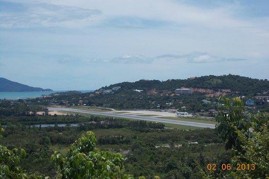 Pagoda Khao Hua Jook : Samui International Airport