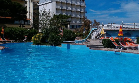 Hotel Adria: Бассейн №2