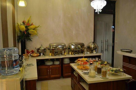 Hanoi Legacy Hotel Hoan Kiem : breakfast room