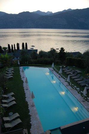 Hotel Internazionale: Вид из номера на бассейн