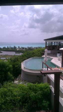 Sugar Ridge: Top infinity pool at Carmichaels