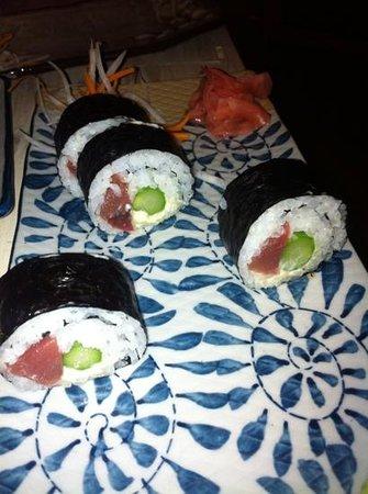 Kokoro ibiza: tuna rolls