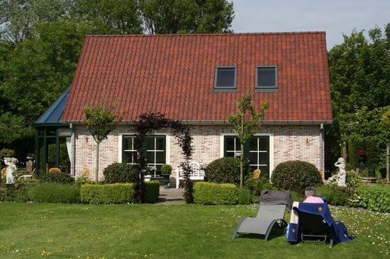Villa Magnolia: Nebengebäude