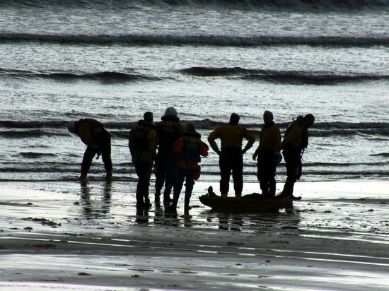Lahinch Beach: Red Cross Training exercises on the beach