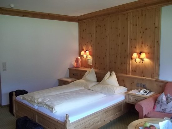 Alpine Wellnesshotel Karwendel: Zimmeransicht