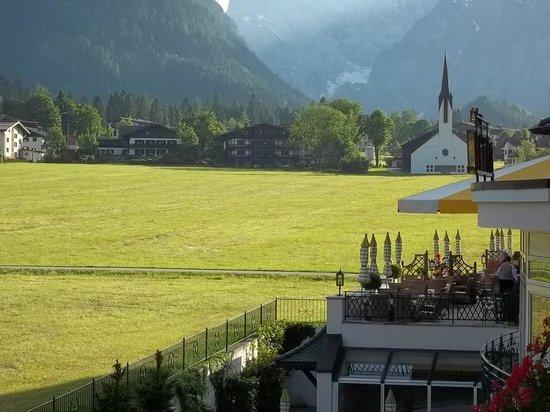 Alpine Wellnesshotel Karwendel: Aussicht vom Balkon