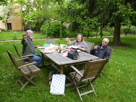 Les Jardins de Lois: In the garden with goodies from the nearby market