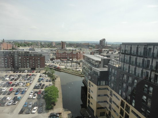 Premier Inn Manchester City Centre (Piccadilly) Hotel: Another view from the 10th floor