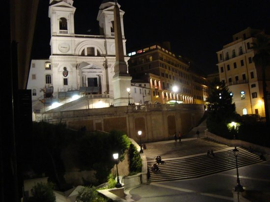 Piazza di Spagna View: Вид из номера