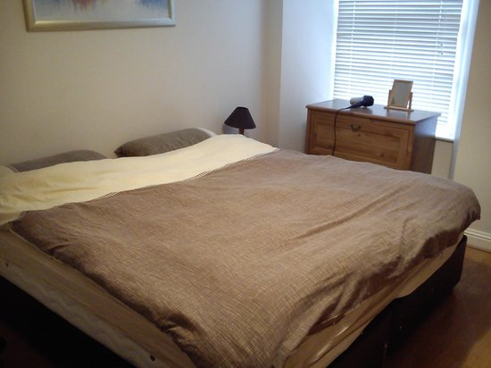 Destination Edinburgh Southside Apartments: Bedroom