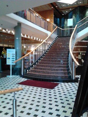 Scandic Plaza Umea: Lobbyn