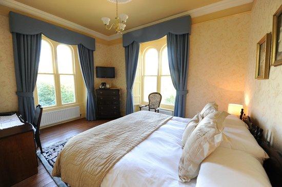 Corick House & Spa: Classic Bedroom