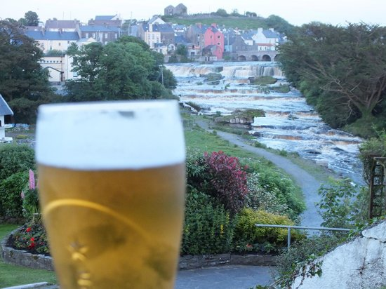 Falls Hotel & Spa: What sitting having a pint looks like at the Hotel