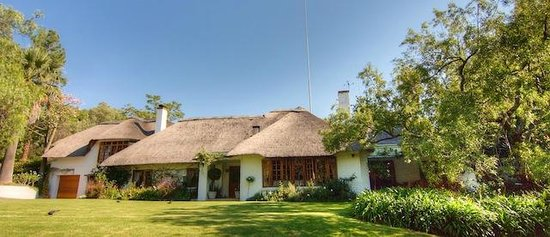 Grace Guest House : What a beautiful home - one the original farm houses in Bryanston.