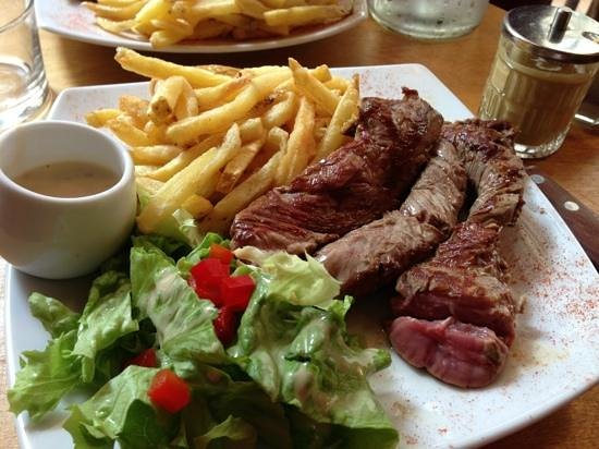 viande tendre avec frites faites maison - Picture of ...
