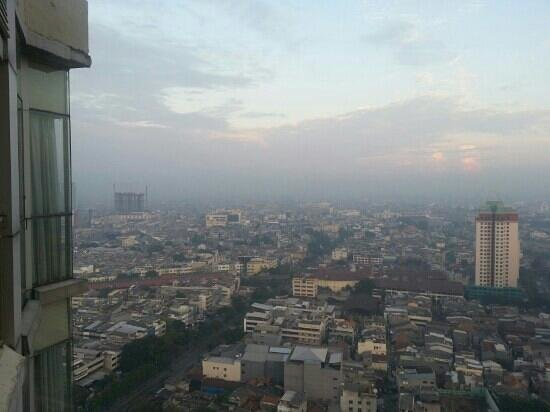 BEST WESTERN Mangga Dua Hotel and Residence: Awesome 31st floor view