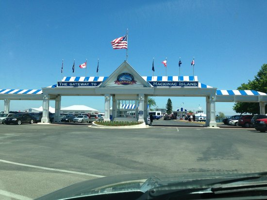 Shepler's Mackinac Island Ferry: Shepler's entrance in Mackinaw City.