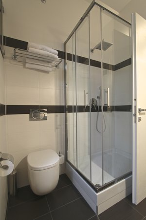 Andrea Doria Resort : bagno in camera