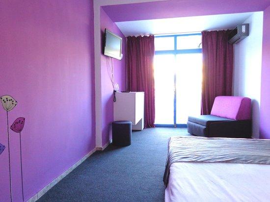 Party Hotel Golden Sands : DELUXE ROOM