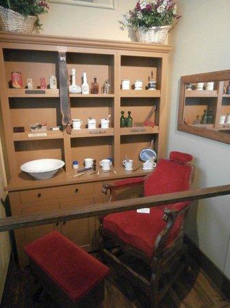Barber Shop: fotograf?a de Chudnow Museum of Yesteryear, Milwaukee ...