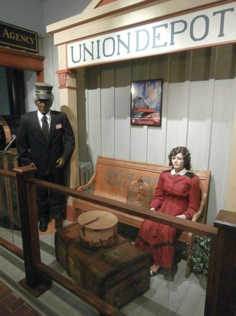 Chudnow Museum of Yesteryear: Union Train Depot