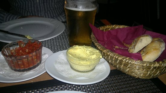 Kibele Restaurant : yummy starters and Efes Lager