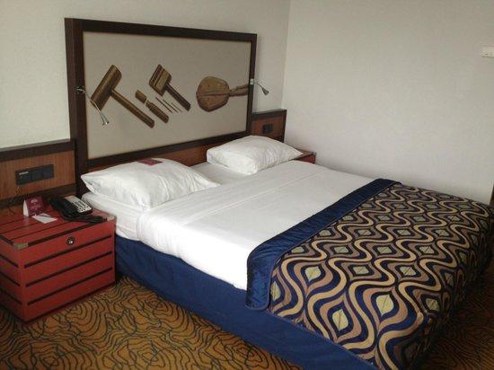 Mercure Hotel Amsterdam City: Room on 7th Floor
