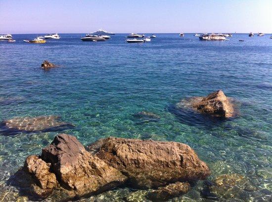 Villaggio Resort Nettuno: Lovely clear water