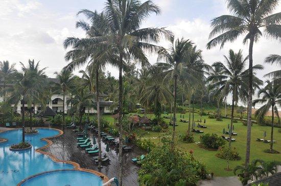 Khaolak Orchid Beach Resort: Het resort vanuit de kamer