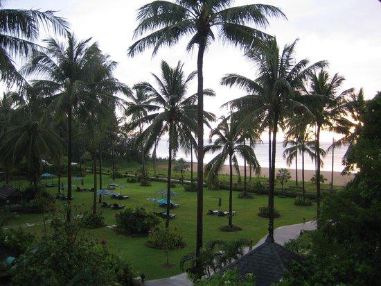Khaolak Orchid Beach Resort: Resort vanuit de kamer