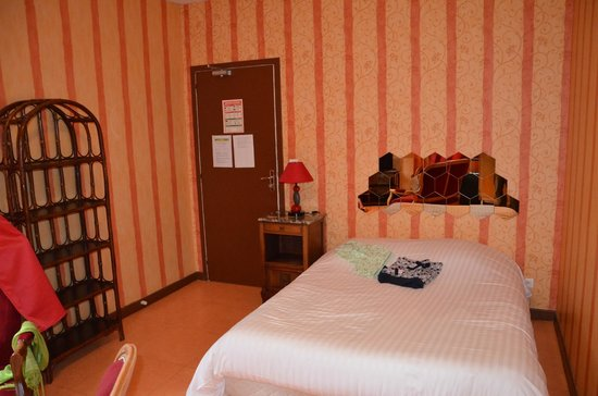 Hotel Le Natural: ch 4 côté lit