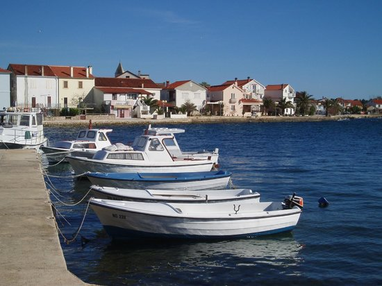 Apartments Parac: Just 80 meters from the sea
