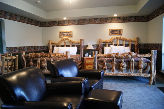 Riverfront Motel & RV Park: Double Queen Room