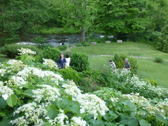 GW Tavern: View of Shepaug River, from the outdoor patio.