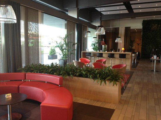 Ibis Leiden Centre: Lobby