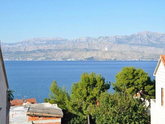 Villa Stella: Vew from terrace towards Split....