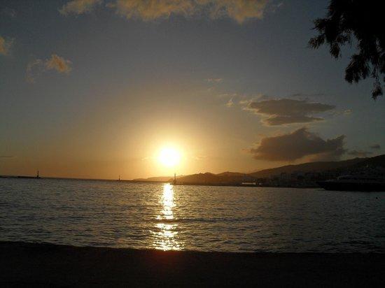 Aeolos Bay Hotel: zonsondergang onderweg van de stad naar het hotel.