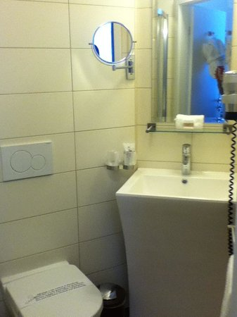 Hotel Aux Remparts: wc