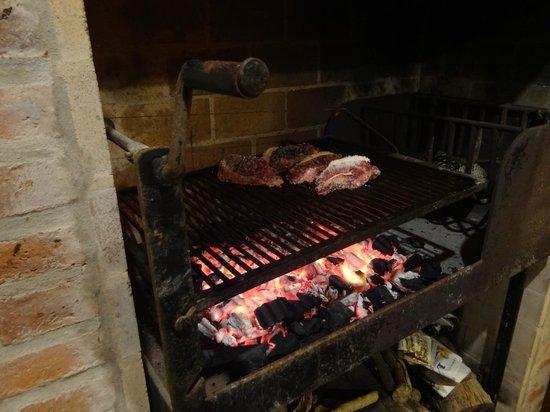 Il Belvedere : A preparação de uma típica carne uruguaia
