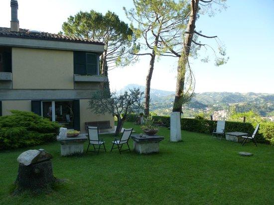 Villa Fortezza: huis en tuin met uitzicht
