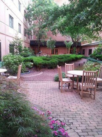 Inn at Henderson's Wharf: Courtyard