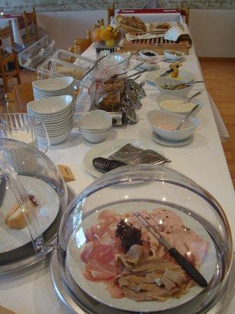 Hotel Al Rom: Buffet am Morgen