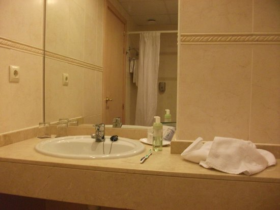 Hotel Luna Club: luna club 4 star bathroom