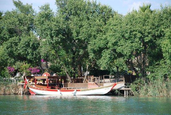 Aydos Club: By the river