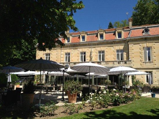 Manoir de la Roseraie : Lunch Terrace