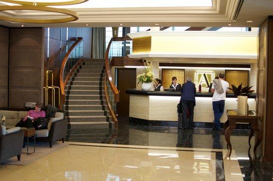 Althoff Hotel Am Schlossgarten: Lobby