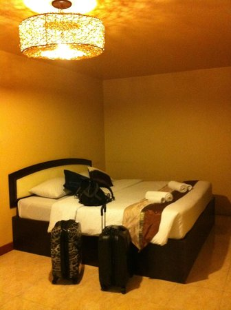 Noble Place Hotel: comfy beds