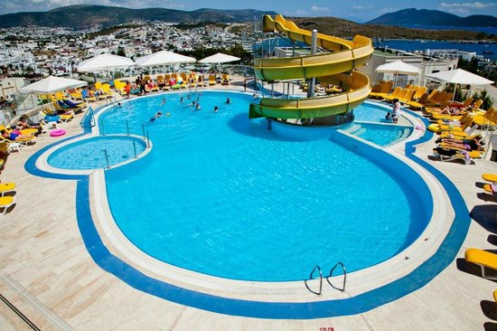 Sunhill Hotel: swimin pool