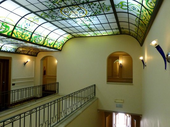 Patria Palace Hotel: Schönes Treppenhaus