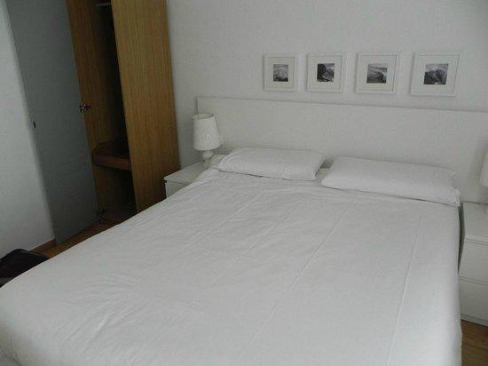 Las Ramblas Passatge Bacardi Apartments: One of three bedrooms, roomy and clean